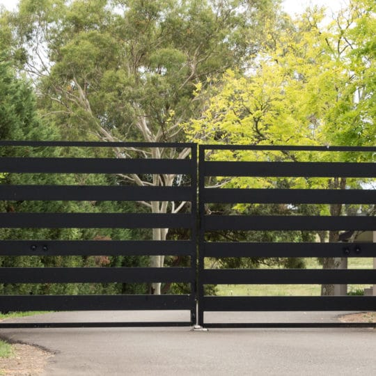 Choosing Manual vs Automatic Gate Design